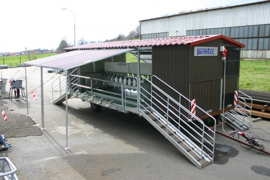 Milking sheep and goats farmtec a s for Parlour equipment